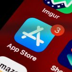 Apple lance l'application 'Tinder for Anti-Vaxxers' de l'App Store